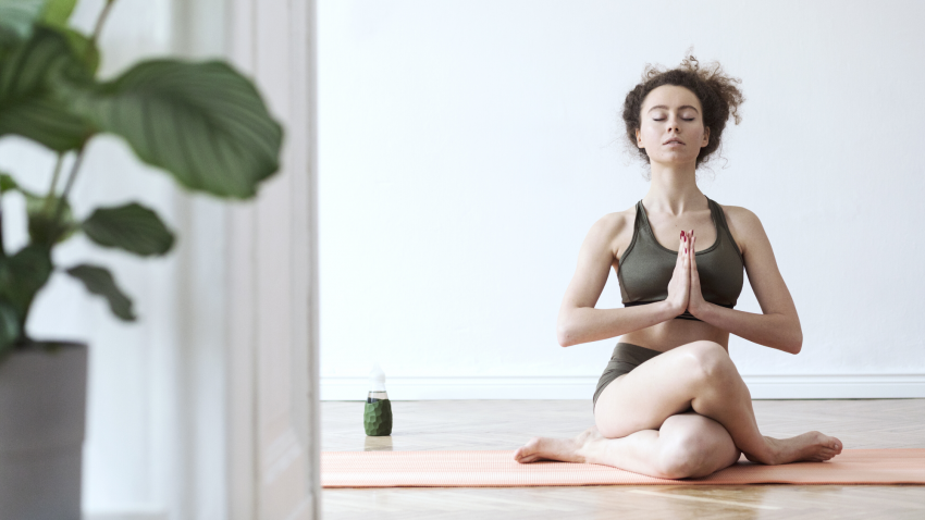 Deepen Your Practice 8 Steps To A Powerful Home Practice Yogauonline