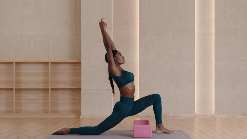 Beginner tips for using the diaphragm properly in Low Lunge yoga Pose (Anjaneyasana)