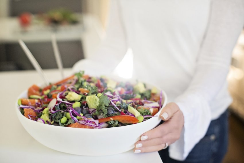 large bowl of produce, plant-based diet, diet for a healthy planet, how to eat a plant-based diet