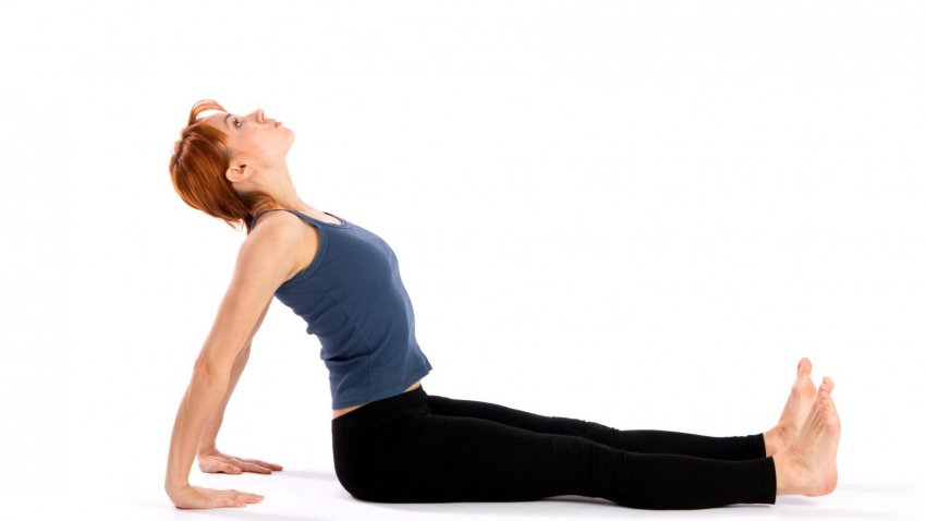 Writer Finds Relief for Scoliosis with Yoga | YogaUOnline