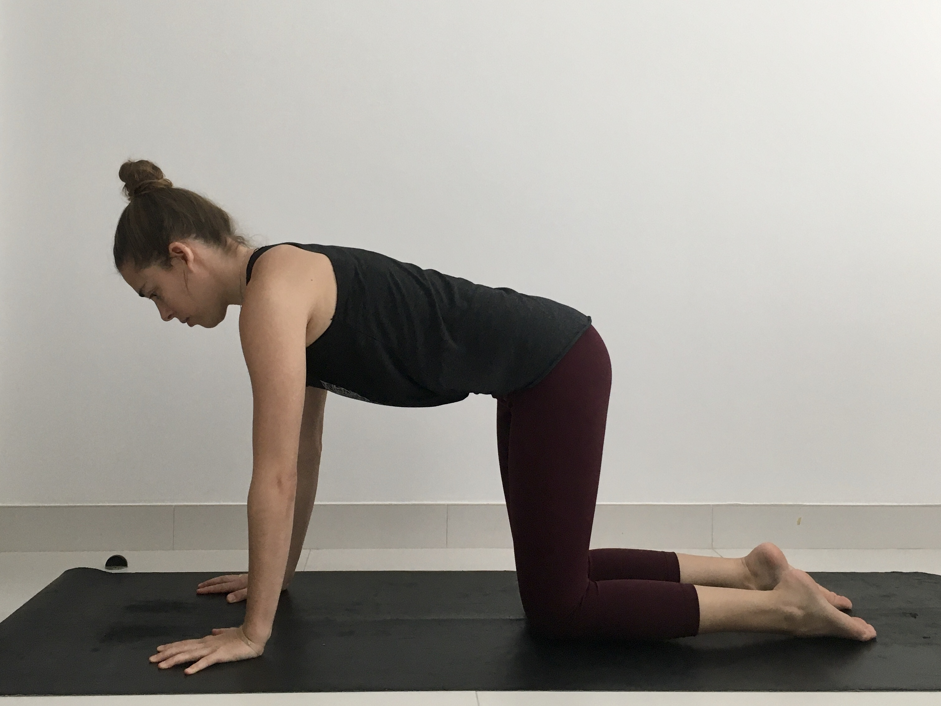 Table Top Pose, Bharmanasana, Beginner's yoga, Weight-bearing pose, strengthen and stabilize the muscles of the rotator cuff